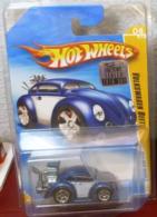 Volkswagen beetle model cars 0098f2ac ed71 46cf 95a6 93101b2c152a medium