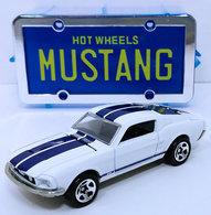 %252768 mustang model cars f08bcaf4 0ae7 449e ab2a e2ca9d565417 medium