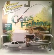 1964 oldsmobile vista cruiser with boat and trailer model vehicle sets 9a208373 5980 4f37 8231 58b1c4d65b2f medium