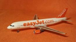 Easyjet uk%253a airbus a320 214 model aircraft 9b38d801 4ec8 4a3b a1e3 8f468bf6c299 medium