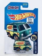 The mystery machine model trucks b9a9fce8 017f 4ac6 8495 3f84ff8d4098 medium