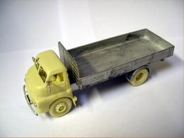 Bedford s type model trucks 0f0ad574 e115 4629 870f ff36e6047c76 medium
