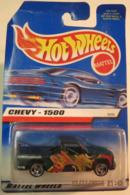 Chevy   1500    model trucks 4a7a4d1d 4372 4392 a865 baa13d0e3086 medium