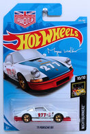 '71 Porsche 911 | Model Racing Cars | HW 2018 - Collector # 235/365 - Nightburnerz 10/10 - New Models - '71 Porsche 911 - White - Blue Hood - Red Base - International Long Card with Urban Outlaw Logo