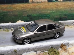 "Opel Vectra B Hatchback 1995 ""5 Millionen Motoren"" | Model Cars"
