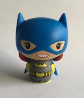 Batgirl %2528classic%2529 vinyl art toys 3c8f3b36 77f3 4aba bf06 dfa3768c83c5 medium