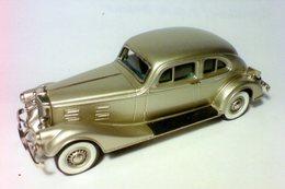 Pierce arrow model cars ec8a2208 7b32 4635 8d94 ab1b512a69a7 medium