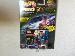 Ford taurus stock car model racing cars 08aa93a6 6095 493c 8165 12781923a08d medium