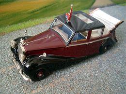 Rolls royce phantom iv queen elizabeth ii model cars 0c4e9036 7092 4125 9e4e e4e64808806c medium