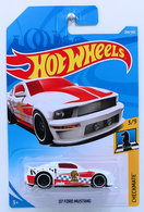 '07 Ford Mustang | Model Cars | HW 2018 - Collector # 289/365 - Checkmate 3/9 - '07 Ford Mustang - White - International Long Card
