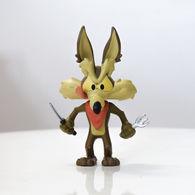 Wile e. coyote vinyl art toys 0c7c8df4 24a9 4d4f a548 b73b0ba9da30 medium