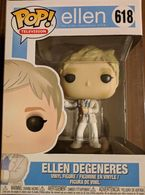 Ellen degeneres vinyl art toys dadb487d 704d 4fbc 9f02 d4068207a062 medium
