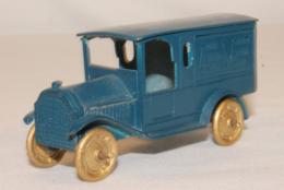 Federal van american museum of automotive miniatures model trucks 065d1b43 91c0 4857 a771 7c90103c6010 medium