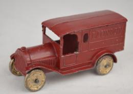 Federal van laundry model trucks ef9061e9 30b6 48df be9d 91f85c7fea30 medium