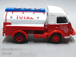 1960 Renault Gallion Tanker | Model Trucks