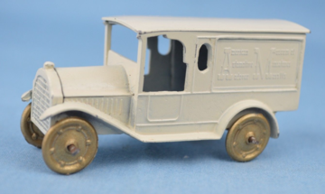 Federal Van American Museum of Automotive Miniatures | Model Trucks