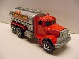 Peterbilt tank truck model trucks caf3fa96 d6fd 410f ab61 80ae3a0cbb88 medium
