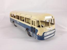 Chausson ap52 model buses f2b8c70f 7b79 46c7 b2a4 3b7c03216221 medium