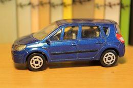 Majorette renault scenic ii 2003 model cars 74417a6e d031 4e24 b968 f724d8399ded medium