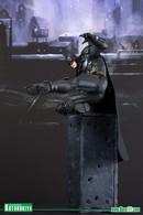 Batman statues and busts 819679f2 9457 4958 845d b95aa4ef81ec medium