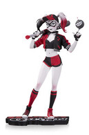 Harley quinn by mingjue helen chen statues and busts 18a004b2 6dd0 44ac b93b 58f8d9d429fa medium