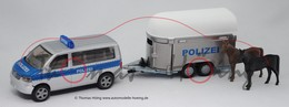 Volkswagen T5 Multivan 2003 Police Van With Horsebox | Model Vehicle Sets