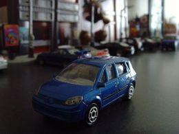 Majorette renault scenic ii model cars 2552b12d 9dcc 41cf be01 2bea0aa7c9a7 medium