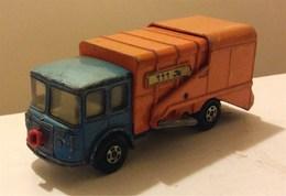 Refuse truck model trucks 180ddab4 cb1f 476c a936 fdd6d6170b2a medium