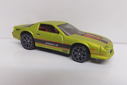 %252785 chevrolet camaro iroc z model cars 25dec49e 4573 4d52 b455 7e3063dcfffe medium
