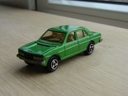 Majorette serie 200 peugeot 604 model cars d43be8b3 b958 4aef 8f5b 7303b1f71e8d medium