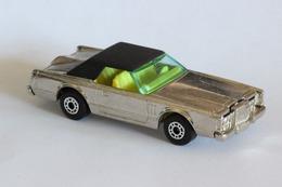 Matchbox 1 75 series lincoln continental model cars cd5e1a23 987e 4b99 bc78 9d56e1bfa077 medium