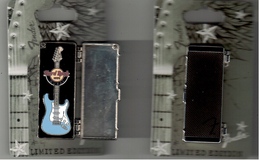 Dubai fender light blue | Pins & Badges