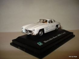 Cararama 1%252f72 collection mercedes benz 300sl coupe model cars 7f86b884 3f4e 4567 aba9 d5aee267dcfb medium