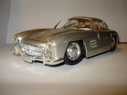 Revell mercedes benz 300sl gullwing model cars 8a98ec1a eacb 4205 a833 45ba10c0024a medium