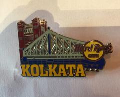 Tower bridge pins and badges 2f2b48e7 ae19 4670 a029 eaab4e858723 medium