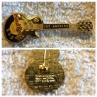 Les paul black vertical guitar pins and badges 818da34a 1a72 4def 8b35 5941dd4abc6e medium