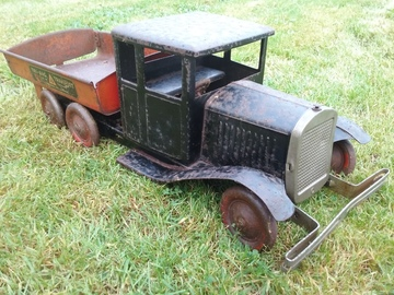 Triang Transport Six | Tinplate & Pressed Steel Toys | Triang Transport Six friction drive tipper made by Lines Bros England No 2785