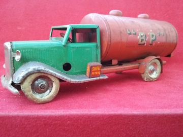 Triang Minic    Tinplate & Pressed Steel Toys   Triang Minic 2836