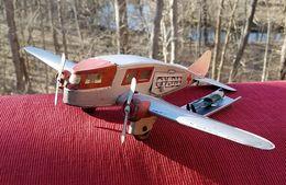 Ambulance airplane model aircraft ddb43405 e6b9 4301 baf0 3a262cd04313 medium