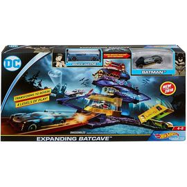 Hot Wheels DC Universe Expanding Batcave Play Set | Track