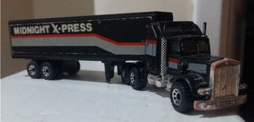 Kenworth Midnight X-press Box  | Model Trucks