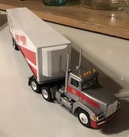 Piggly Wiggly Winross Die Cast Trailer Truck   Model Vehicle Sets