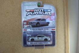 2008 dodge charger pursuit model cars 3ca6bf65 50d9 40cf ac26 bb9114c77b89 medium