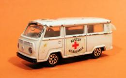 Volkswagen T2 Transporter   Model Trucks