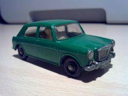 Matchbox 1 75 series mg 1100 model cars 7e670228 e534 484b 8529 428f54d2f6ca medium