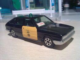 Chrysler 150 Barcelona Taxi | Model Cars