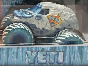 Yeti   Model Trucks   Spin Master Yeti Walmart Exclusive.