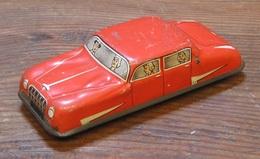 4 door saloon car model cars 25d72ea7 6c95 4b2a ab5b d29881f2dfe2 medium