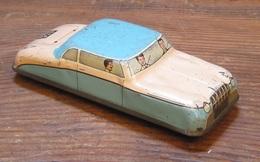 Saloon car model cars d8cbf18b 450d 4eb1 ab63 907b837ebce5 medium