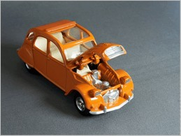 1974 citro%25c3%25abn 2cv model cars 569f7e1f b26b 4547 bca2 3b82e7829346 medium